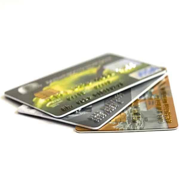 Golf ball dispenser accepts credit card payments